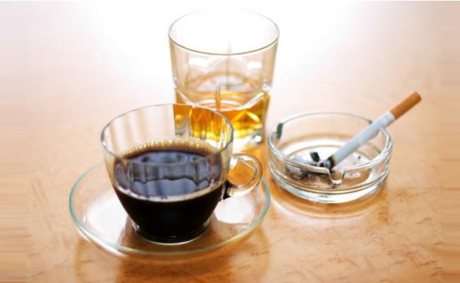 Mối Liên Hệ Giữa Cafein, Cồn Và Thuốc Lá Trong Cuộc Sống