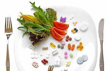 Thuốc Vitamin vs. Thực Phẩm Toàn Phần